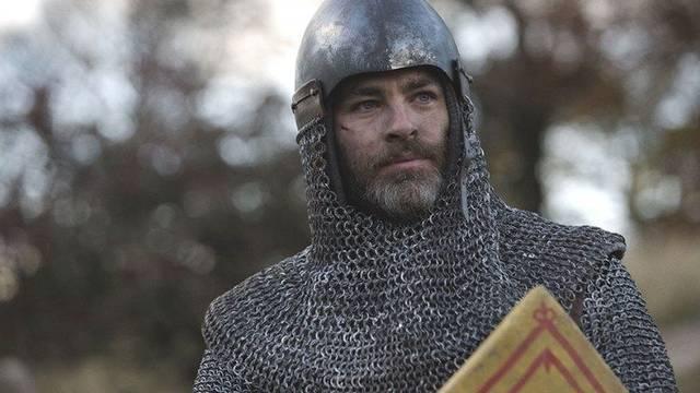 Primer tráiler de El rey proscrito, nueva película de Netflix con Chris Pine