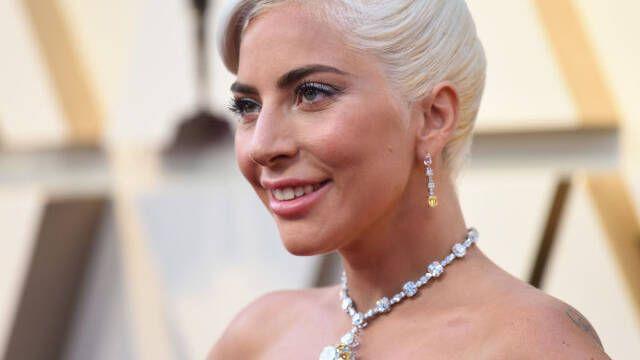 Lady Gaga promete financiar aulas en El Paso, Dayton y Gilroy