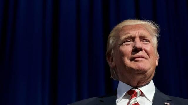 Trump carga contra Hollywood y acusa a la industria de 'racista'