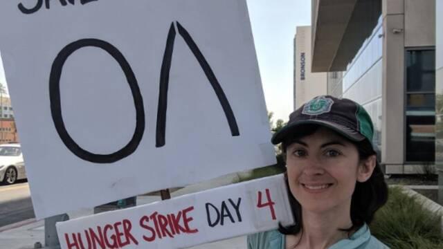 Una mujer en huelga de hambre para que no cancelen The OA