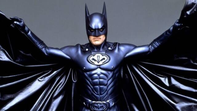 Joel Schumacher lamenta haber hecho sus películas de Batman