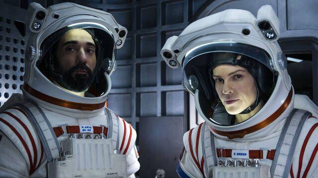 Away: La nueva serie de Netflix nos lleva más allá de las estrellas
