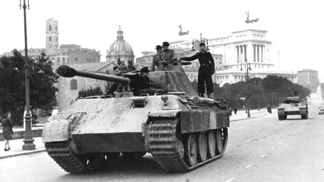 Multan a un anciano alemán con 250.000 euros por guardar en su garaje un tanque Panther