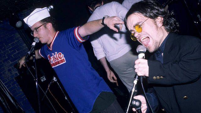 Peter Dinklage, de Juego de tronos, tenía un grupo de rock metal en los 90