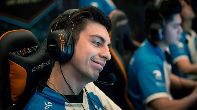Shroud se pasa Call of Duty Blackout con estos dos jugadones
