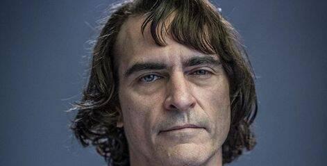 Esta es la primera imagen oficial de Joaquin Phoenix como el Joker