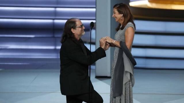Emmy 2018 - Glenn Weiss sorprende con una petición de matrimonio
