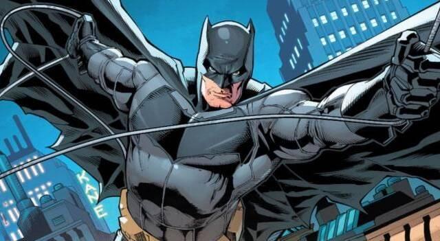 Su videoportero le confunde con Batman y no le deja entrar en casa