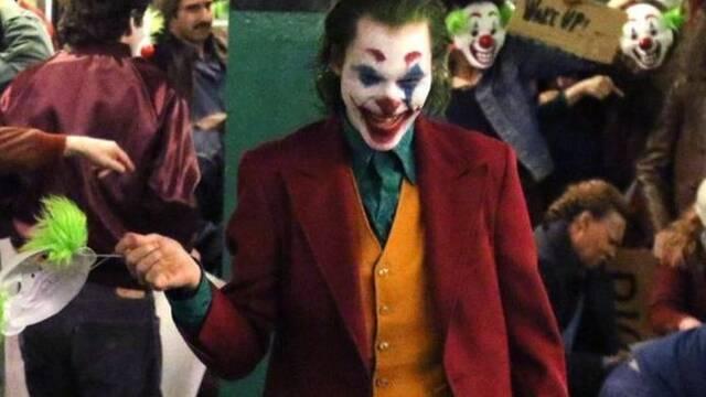 El terror llega al metro de Gotham de la mano del Joker de Joaquin Phoenix