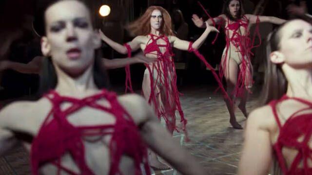 Demandan a Amazon por robar el trabajo de una artista para 'Suspiria'