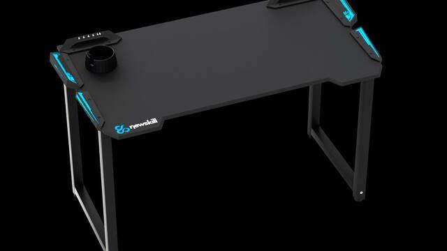 NewSkill presenta Fenrir, su mesa gamer RGB