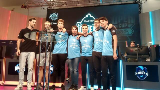 Movistar Riders Academy vence en la Madrid Open Cup