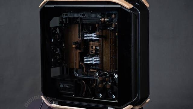 El PC Modding de los viernes: El mejor Mod del 2019 es un PC elegante y minimalista
